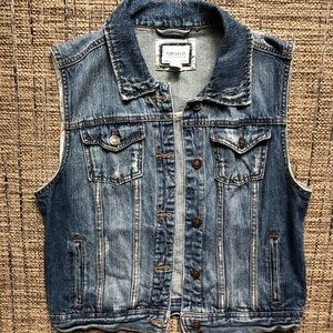 Forever 21 denim vest medium never worn